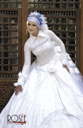 فساتين افراح للمحجبات اخر شياكه 2011 - احدث تشكيله من فساتين الزفاف للمحجبات روعه 2011