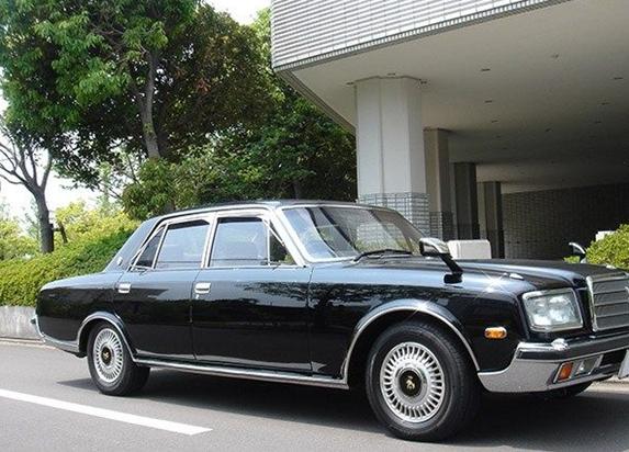 سيارات تملكها ملكية وشخصيات 20802alsh3er.png